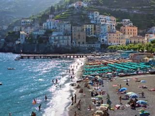 Fragola - at few steps from the SEA - Minori vacation rentals