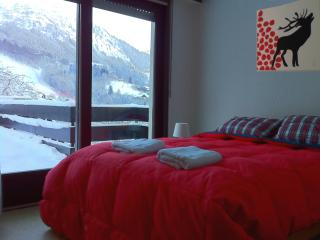 Sunny 2 br apt at Bellevue Ski lift - Les Houches vacation rentals