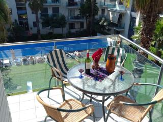 ANGELA RESIDENCE-Apartment - Lloret de Mar vacation rentals