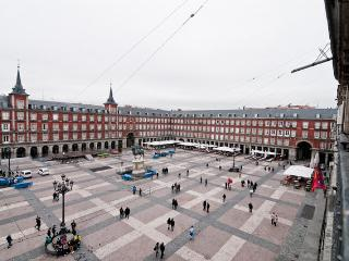 Big Apartment in Plaza Mayor - Madrid center !! - Madrid Area vacation rentals