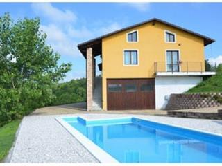 Casa gialla Il Violino - Moransengo vacation rentals