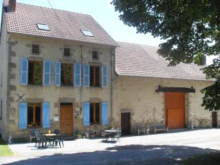 Luxury Farmhouse with superb lake views 5* Rated - Dompierre-les-Eglises vacation rentals