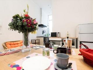 Colosseo wide  2 bedrooms 2 bathrooms bright flat. - Rome vacation rentals