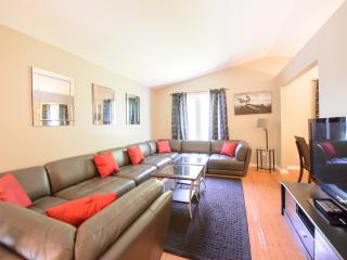 Lakeside Niagara - Midweek dates discounted - Niagara Falls vacation rentals