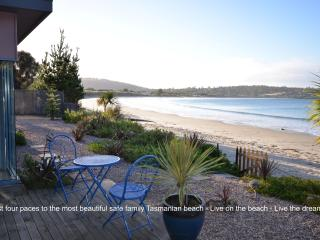 Frogmouth Cottage Live on the most beautiful Beach - Taranna vacation rentals