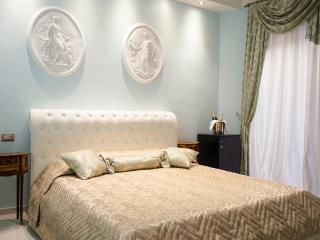 Elegant Suite at Impero Vaticano B&B(Vatican area) - Rome vacation rentals