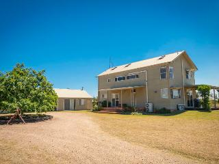 Hunter Olive House, Hunter Valley - Rothbury vacation rentals