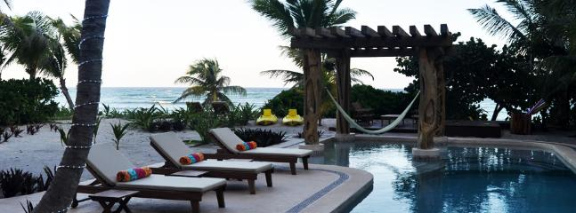 MAYA - ALMAR4 Gorgeous villa with an amazing ocean front view and a fine mexican decor. - Image 1 - Akumal - rentals