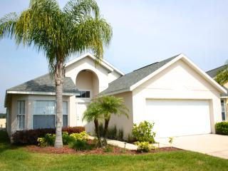 4 Bedroom and 2 Bath Villa in Crystal Cove Resort, - Kissimmee vacation rentals