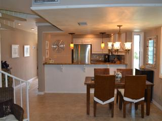 Gulf And Sound View Condo 2 Bedroom/ 2.5 Bath Sleeps 6 - Pensacola Beach vacation rentals