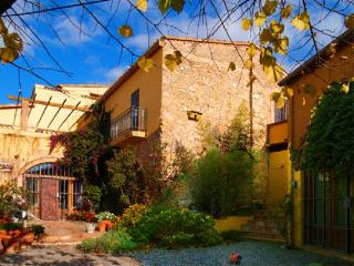 Can Migdia, village house up to 7 with BBQ - Albons vacation rentals