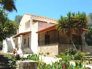 3 spacious & cozy apts X 4 beds on Corfu island - Gaios vacation rentals