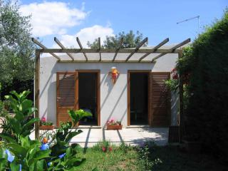 Little House Syracuse. Garden and Sea - Syracuse vacation rentals