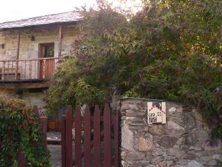 CASA RURAL EL TALLER DE LA SEDA - Castilla Leon vacation rentals