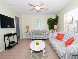 Pine Ave and North Shore Drive Anna Maria Villa A - Anna Maria vacation rentals