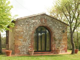 Romantic farm for 2/4 persons with pool near Siena - Trequanda vacation rentals
