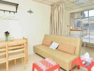 MTR/Mongkok/Clean/Home-like/5-8ppl/BH - Hong Kong vacation rentals