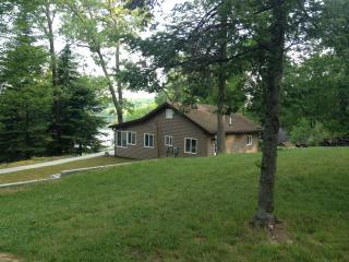 Cozy Cottage In The Pinckney Recreation Area - Chelsea vacation rentals