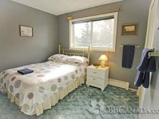 Island Haven Guest House - Nanuq - Yellowknife vacation rentals