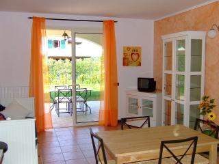 Appartamento Arancio - Manerba del Garda vacation rentals