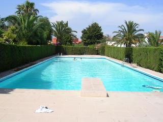 LOVELY HOUSE OF PROVENZAL STYLE IN A RESIDENTIAL A - Miami Platja vacation rentals