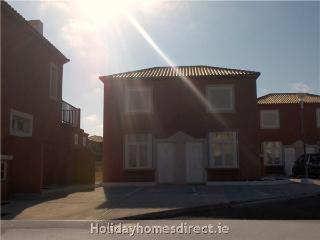 Casa Oro - 2 Bed for the price of a 1 bed - Caleta de Fuste vacation rentals