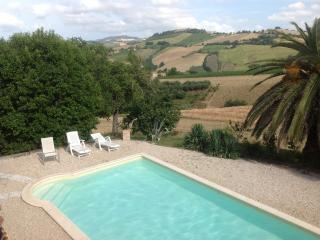Casa italia - Carassai vacation rentals