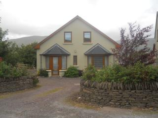 Mountain View Holiday Home - Annascaul vacation rentals