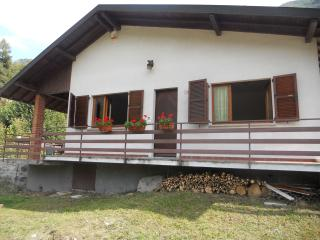 Violet House - Argegno vacation rentals