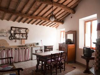 Rogheta 2 - Proceno vacation rentals