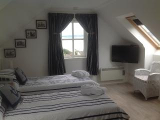 The Tanhouse Studio Holiday Apartment - Culross vacation rentals
