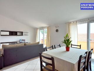 Apartman Jure Podgora - Podgora vacation rentals