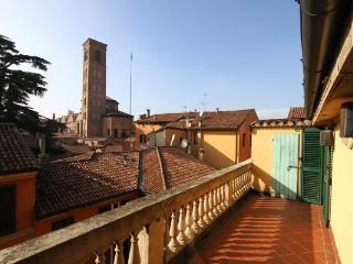 Campanile San Giacomo - Bologna vacation rentals