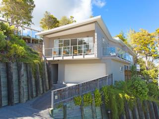 Sunny Spacious Seaview Stunner - Paihia vacation rentals