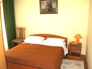 Apartman Dubravka - Podgora vacation rentals
