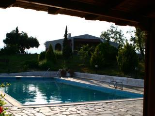 Anavyssos Villa Fengaropetra - Anavyssos vacation rentals