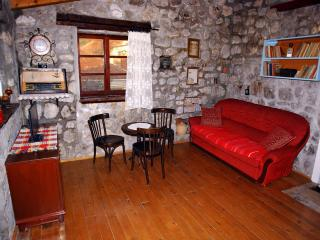 OLD MILL Stonehouse - Bar vacation rentals