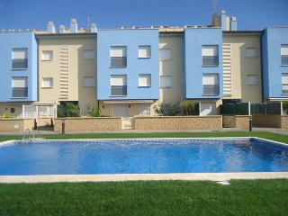 Duplex Orquidea. 150m to beach + pool - L'Estartit vacation rentals
