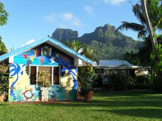 BORA BUNGALOVE bord du lagon - Faanui vacation rentals