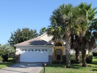 In popular Indian Creek, only 3 miles from Disney, private pool, free Wi-Fi - Kissimmee vacation rentals