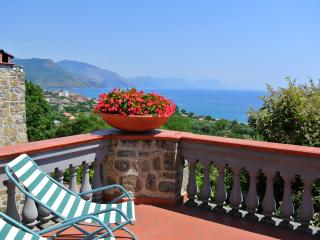 Sea view apartment in Villa - Vibonati vacation rentals
