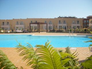 Reduced Nov. 3 bed house sleeps 6, UK TV & WIFI - Caleta de Fuste vacation rentals