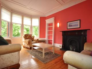 Flat 2/2, 182 Hyndland Road - Glasgow vacation rentals