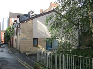City centre townhouse with two parking spaces - Glasgow vacation rentals