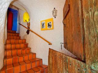 CAVE HOUSE BARDENERAS - Valtierra vacation rentals