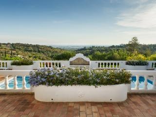 Villa Rosa - Santa Barbara de Nexe vacation rentals