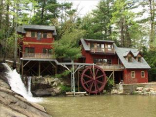 Upper Millhouse 99009 - Flat Rock vacation rentals