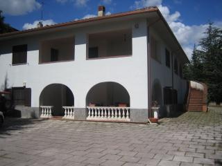 casa in villa - L'Aquila vacation rentals