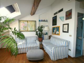 Delightful apartment near Duom - Milan vacation rentals
