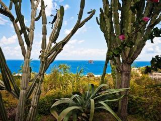 Casa RIFUGIO a Stromboli - Stromboli vacation rentals